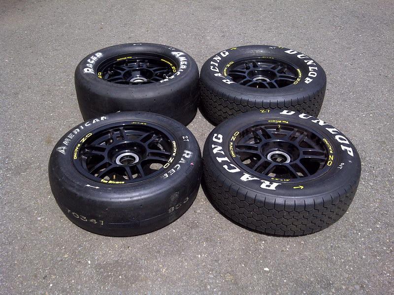 changement pour les pneus tires last change f1600 canada. Black Bedroom Furniture Sets. Home Design Ideas